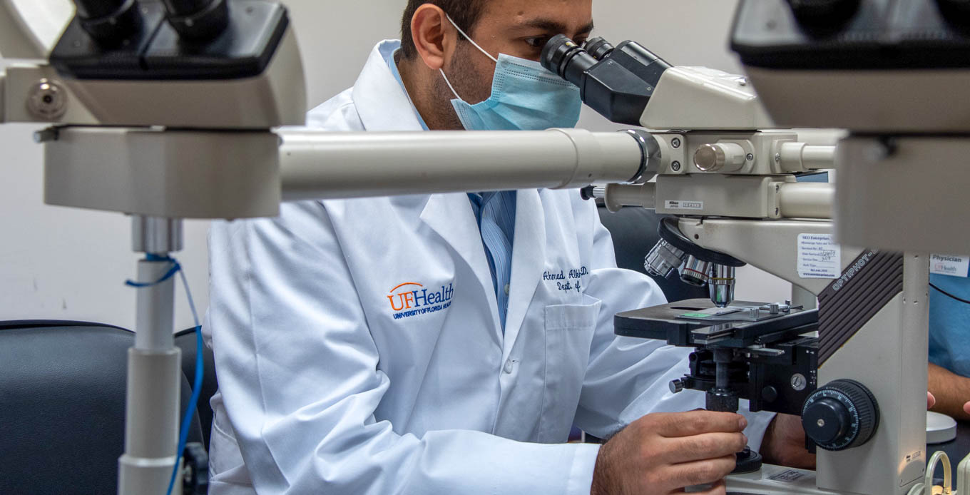 University of Florida pathologists looking into dual-head microscope at UF Health Jacksonville
